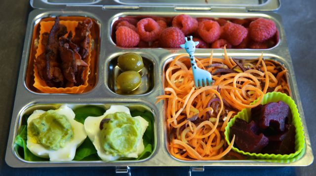 """PlanetBox Rover with Guacamole """"Deviled"""" Eggs, Spiralized Carrots and Beets, Raspberries, Bacon, and two little Olives"""