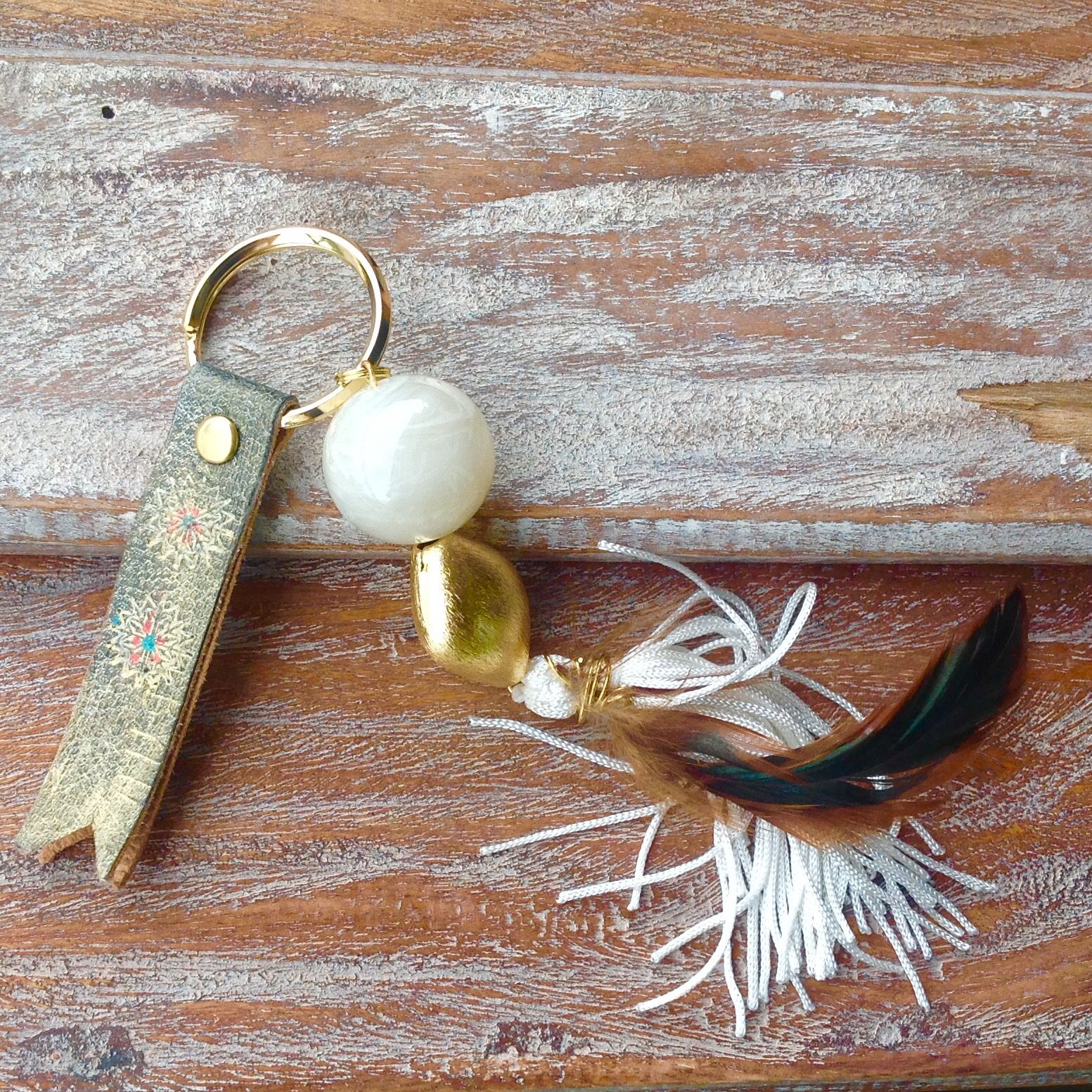 Donde estan las llaves?disponible llavero mujer estilo boho en tienda www.boadabylu.com Boho#estiloboho#mujer#moda#llavero#otoño#chic#