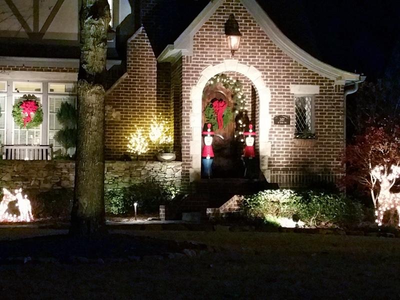 Tudor House Christmas Lights Google Search Best Christmas Lights Holiday Lights Display Christmas Lights