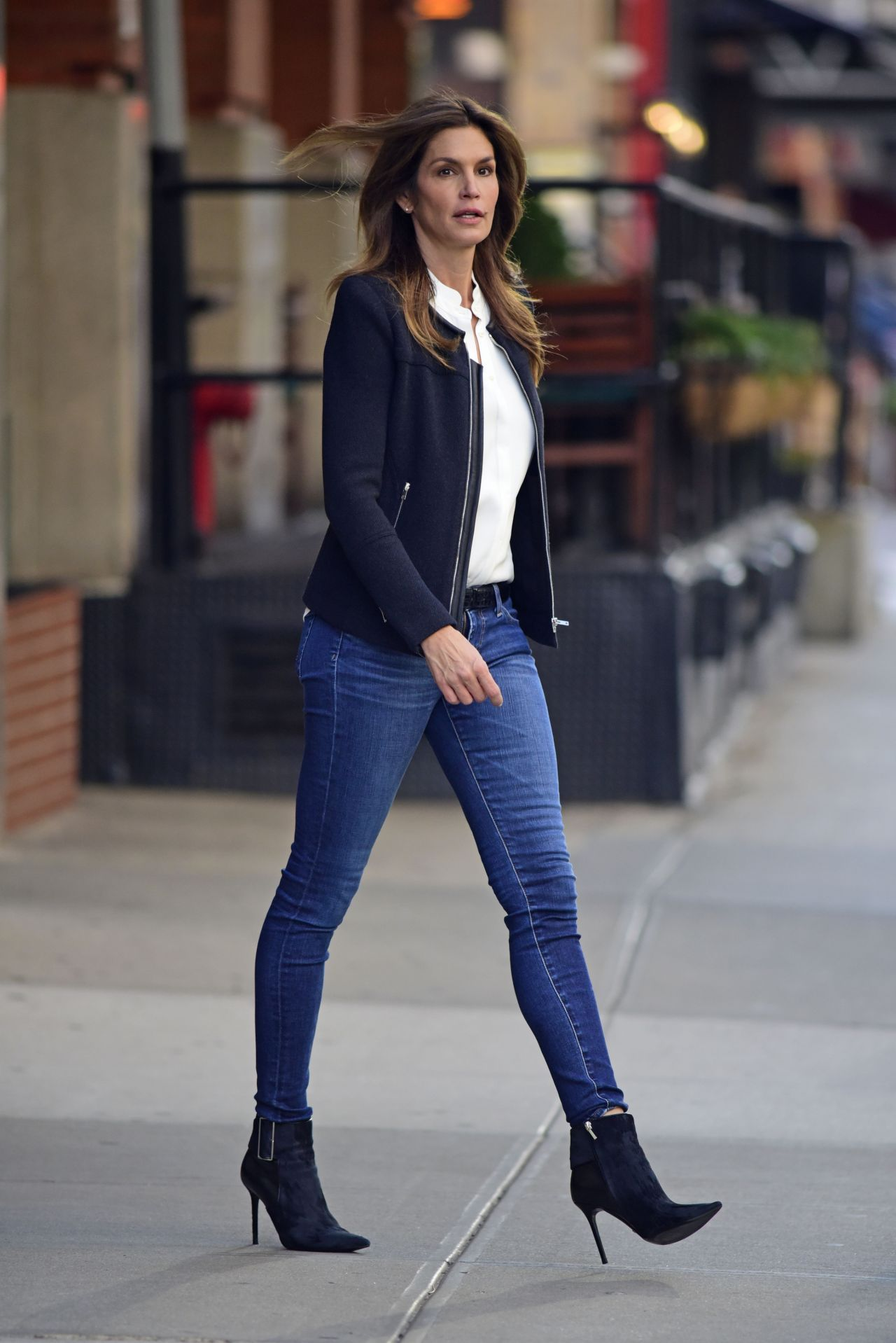 cindy crawford in tight jeans - leaving her hotel in new york city