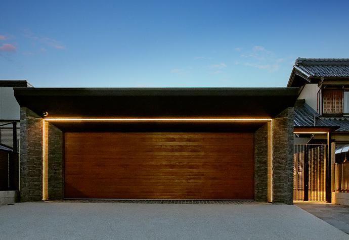 外観事例 ガレージ外観 夜景 garden house with garage ガレージ