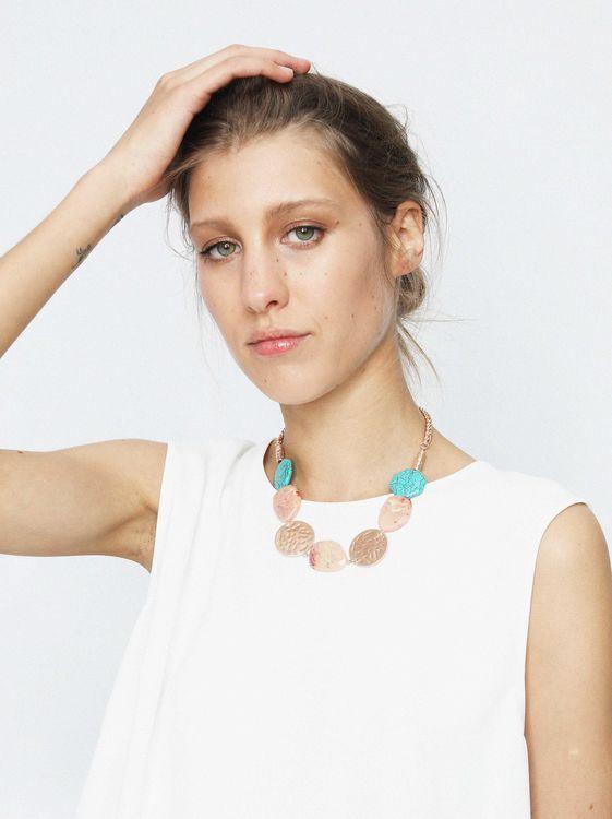 ab16236a9609 Parfois collares Hoy te hablaremos de la nueva colección de collares Parfois.  Seguramente ya conoces esta marca y alguna vez habrás visitado sus tiendas.