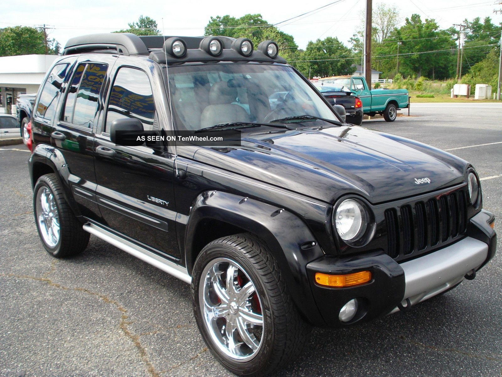 This looks just like our 04 jeep liberty except for the wheels