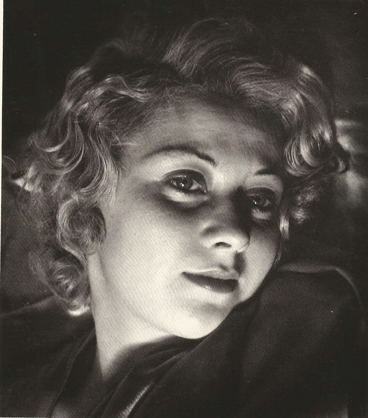Joan Blondell, photographed and Copyright © 1933 by Imogen ...