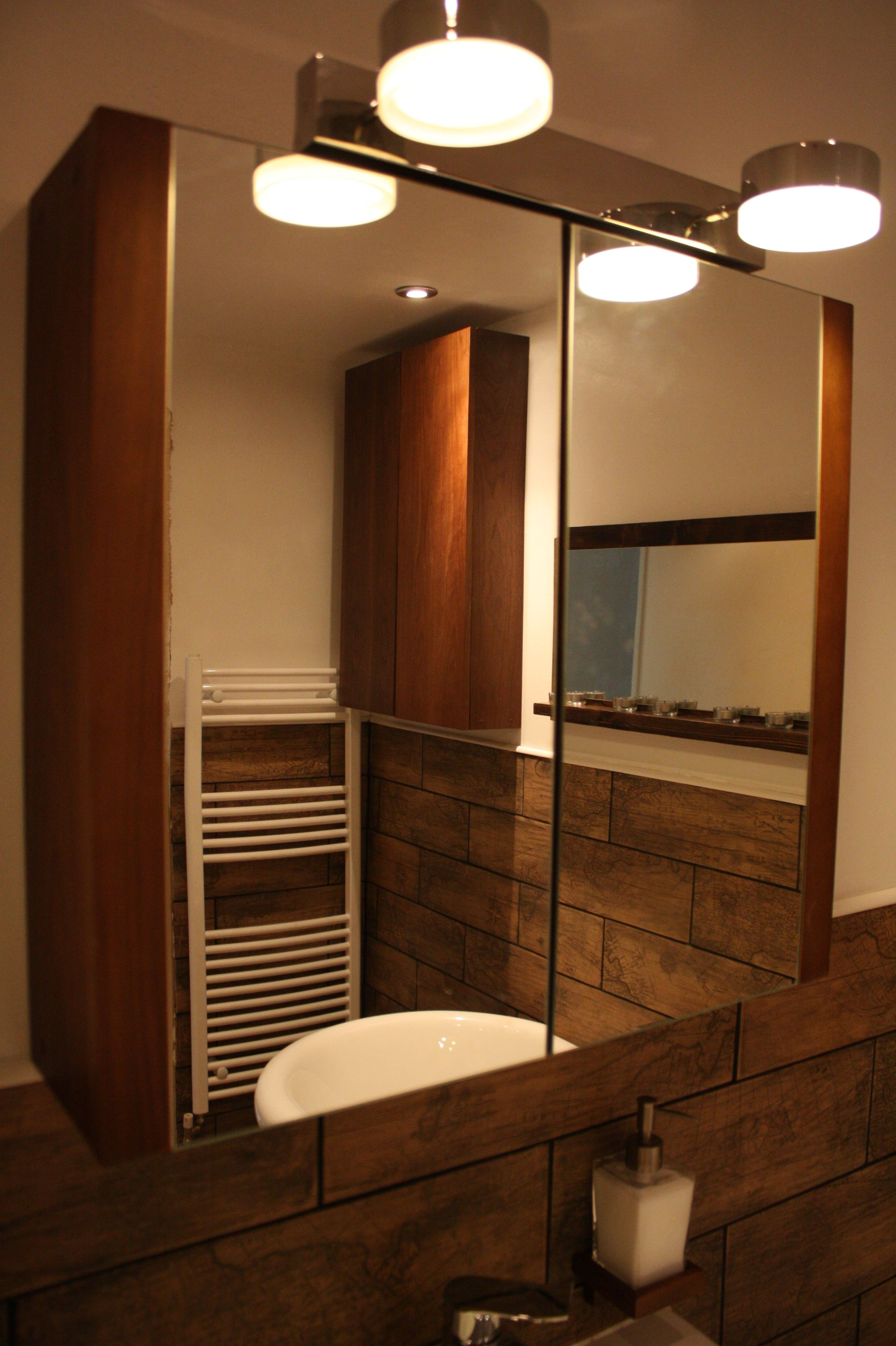 Walnut Bathroom Mirror From B Amp Q In The Sale For 40 Mirrored On The Outside And The Inside The Light Wa Wood Spa Walnut Wood Furniture Wood Effect Tiles