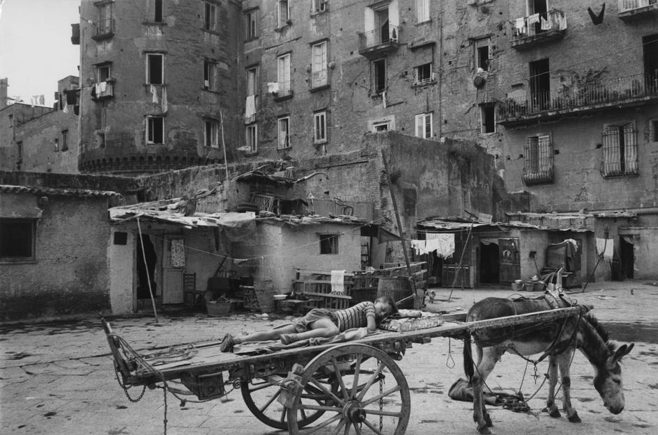 ITALY. Campania. 1960. Henri Cartier-Bresson