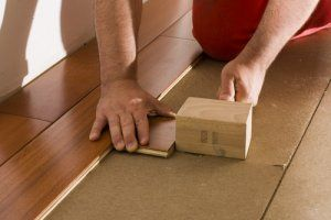 Do it yourself hardwood floors stretcher is installing a is installing hardwood floors a do it yourself job do it yourself hardwood floors solutioingenieria Images