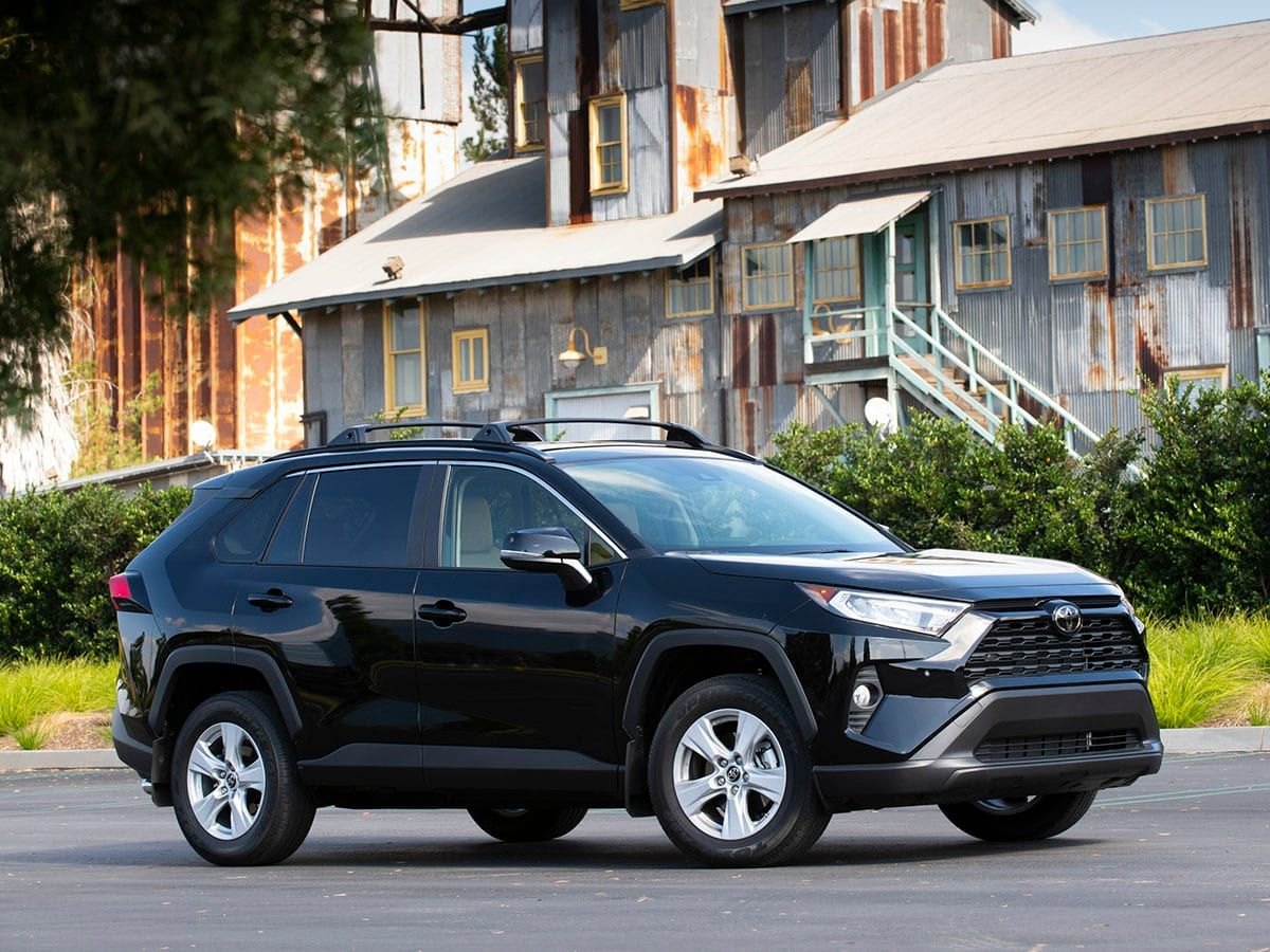 b9d6493bfa This Week in Car Buying  Compact SUV incentives spike  Buick car count  drops  Amazon pumps up Rivian  Loan delinquencies climb
