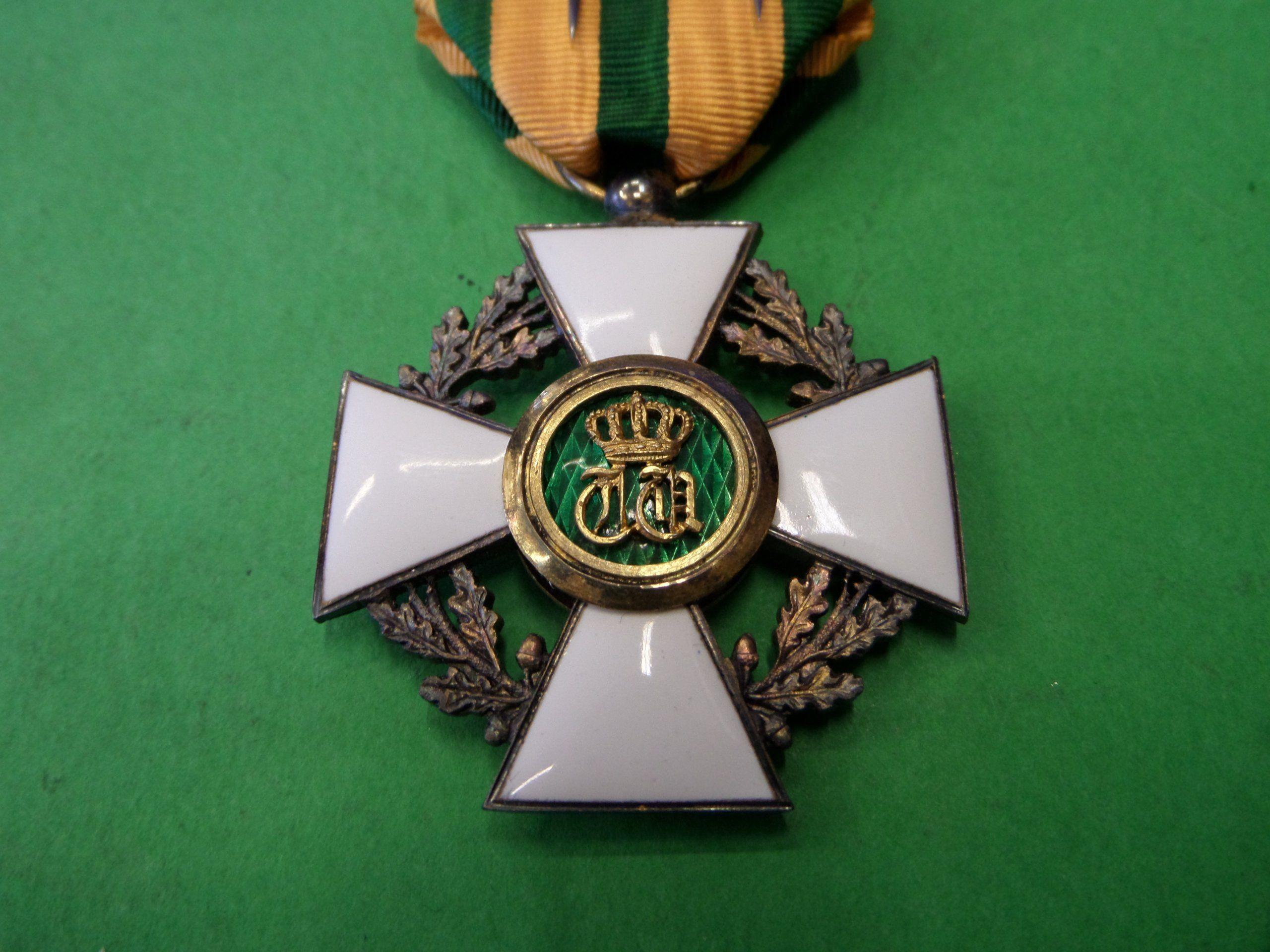 Odznaczenie Belgia Wczesne Z Pudelkiem 6743970773 Oficjalne Archiwum Allegro Brooch Medals Jewelry