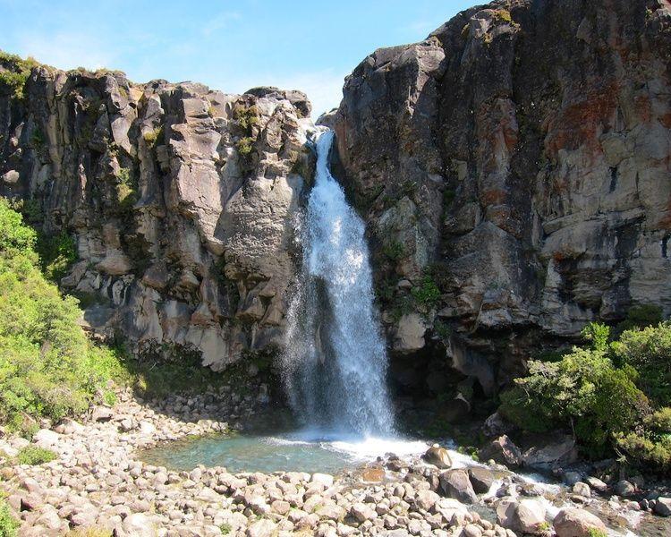 New Zealand Itinerary Taranaki Falls www.glutenfreetravelette.com - 21 days road trip in New Zealand