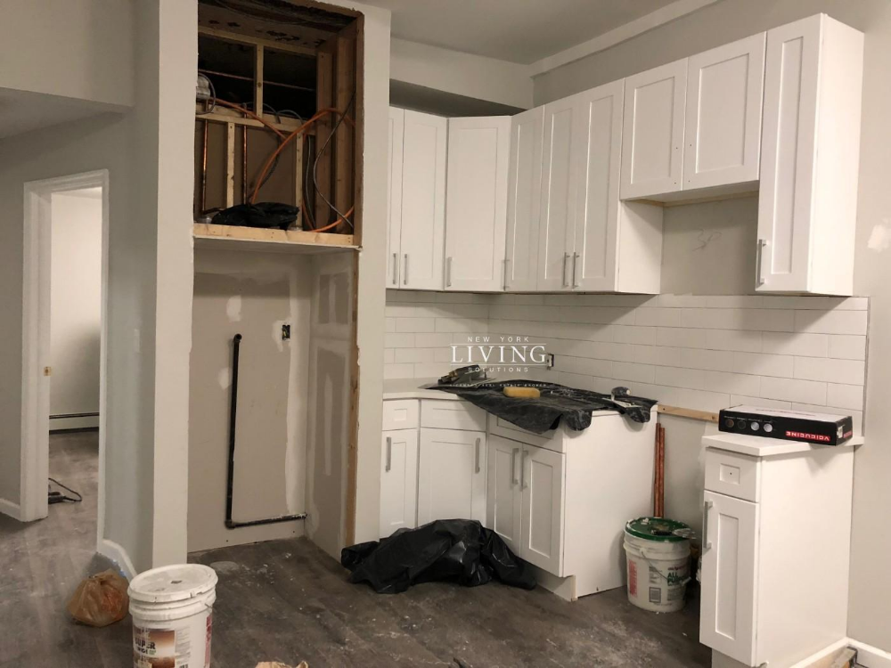 3 Bedrooms 1 Bathroom Townhouse For Sale In Bushwick With Images Brooklyn Apartments For Rent Townhouse For Rent Apartments For Rent