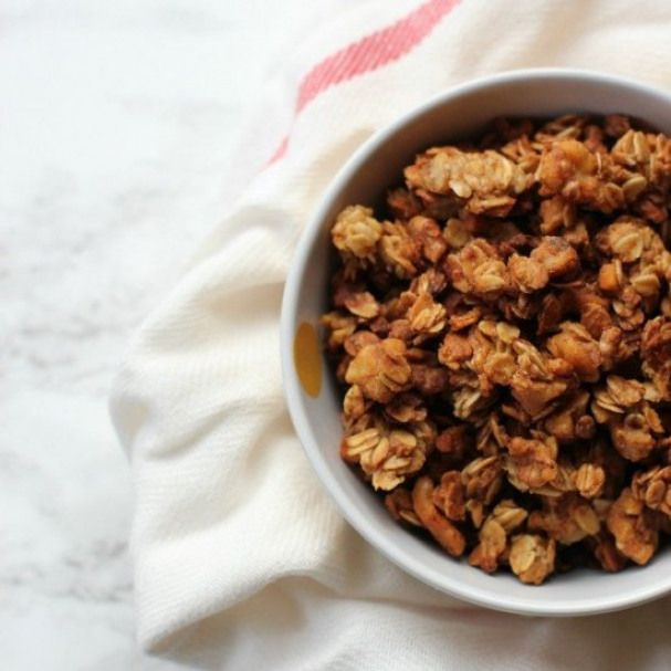 Cinnamon Applesauce Granola | Recipe | Food, Food recipes ...