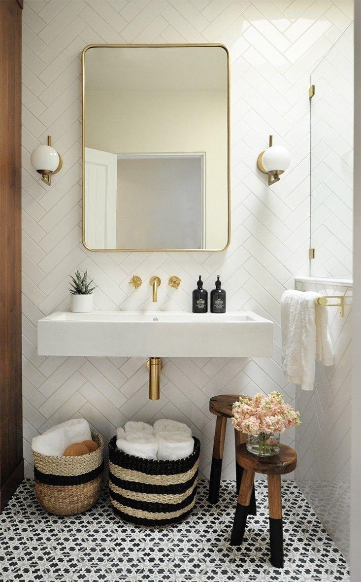 Bright + Modern Santa Fe Bathroom
