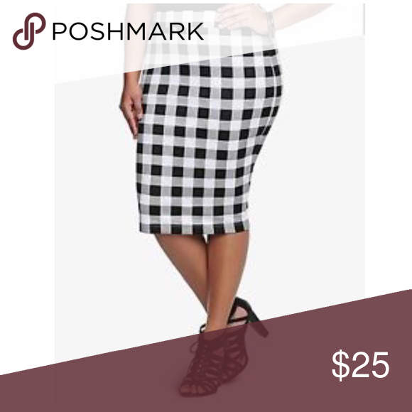 4aa51effc Torrid black & white buffalo plaid stretch skirt Size 1. Elastic waist.  Stretchy pencil skirt. Lined. Rear slit. Polyester, spandex. EUC torrid  Skirts
