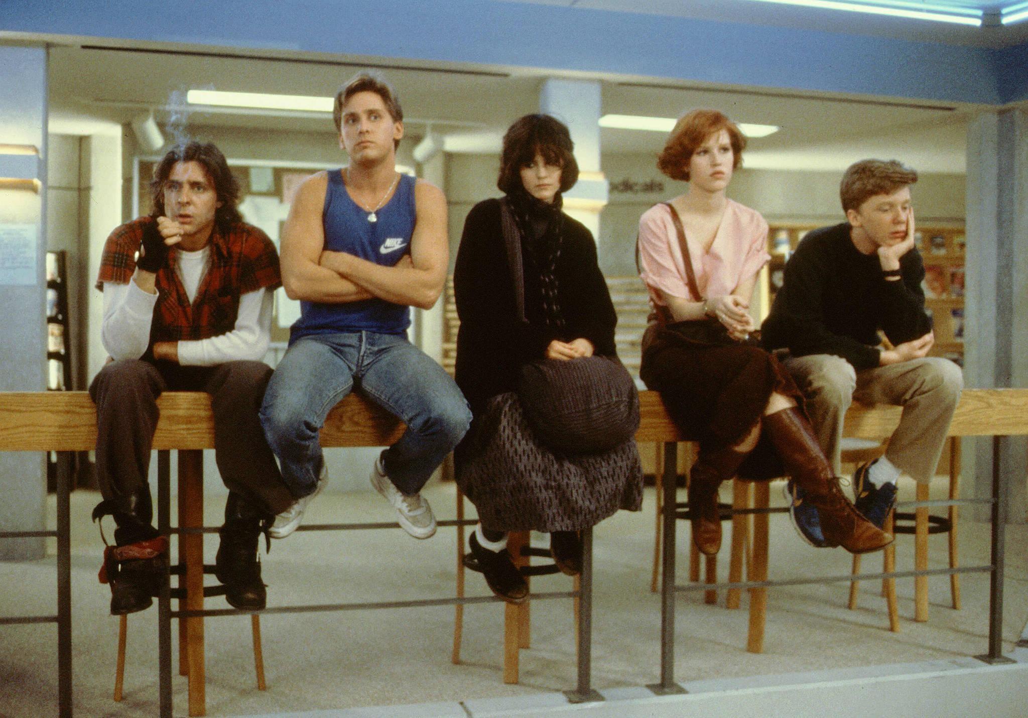 Still of Molly Ringwald, Emilio Estevez, Judd Nelson, Ally Sheedy and Anthony Michael Hall in The Breakfast Club (1985) http://www.movpins.com/dHQwMDg4ODQ3/the-breakfast-club-(1985)/still-1290438144