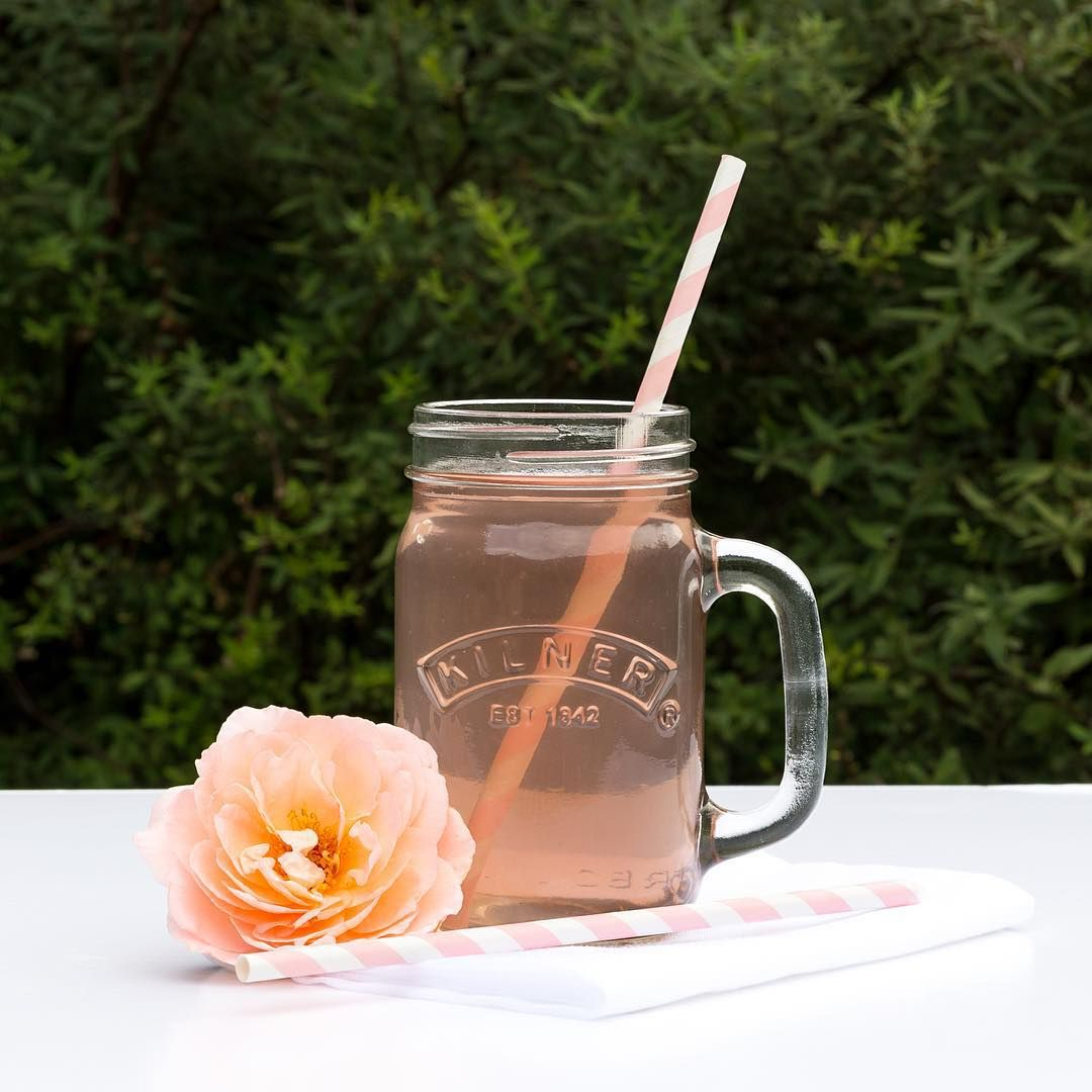 * B L U S H * New on the blog today (link in profile) a gorgeous recipe for homemade blush lemonade... Using the super lovely Lemon Aid Kit from @bloomandwild #bloomandwild #thisjoyfulment @drinkelderbrook