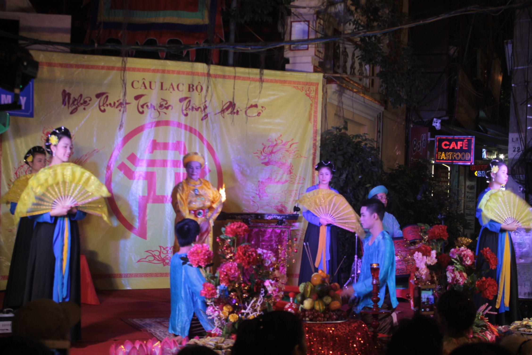 Representación de la Diosa Buda en las calles del Old Quartier