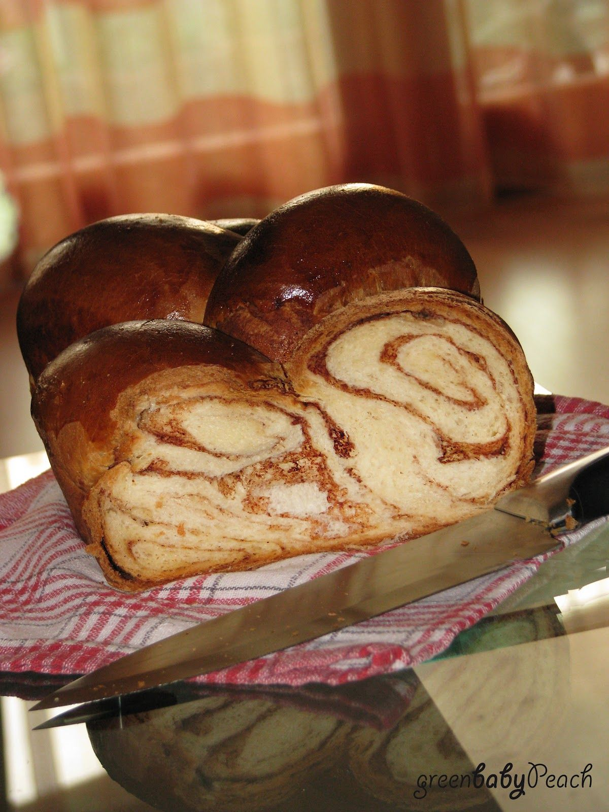 Kalács (pronounced [ˈkɒlaːtʃ]) is a Hungarian sweet bread very similar to brioche, usually baked in a braided form, and traditionally considered an Easter food.   It is also sometimes filled with things such as jam, nuts or chocolate.