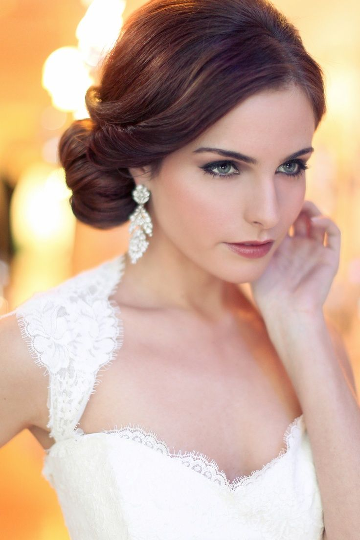 Neat And Low Side Bun Big Crystal Earrings And Queen Ann Wedding Dress Vintage Wedding Hair Wedding Hairstyles Updo Short Wedding Hair