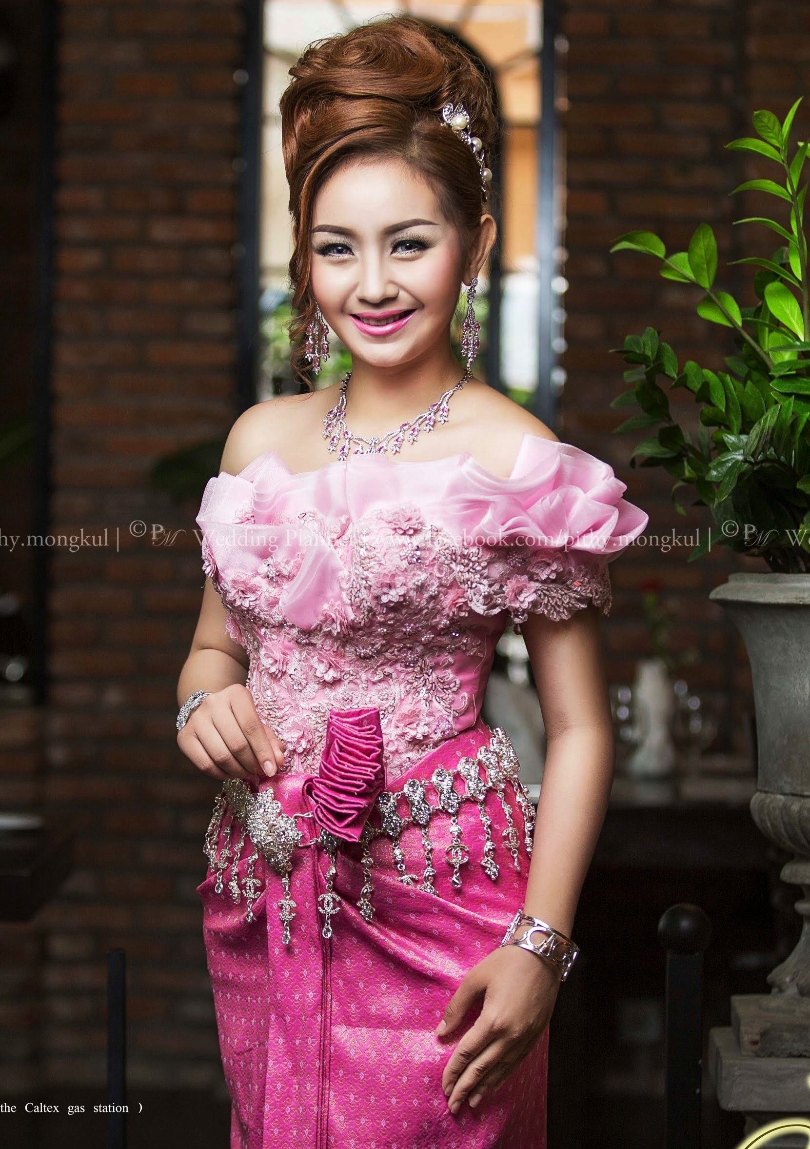 khmer wedding costume | cambodia/khmer wedding dress | Pinterest