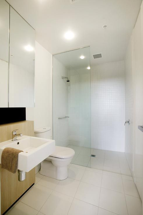 Small Square Bathroom With Screenless Shower Google