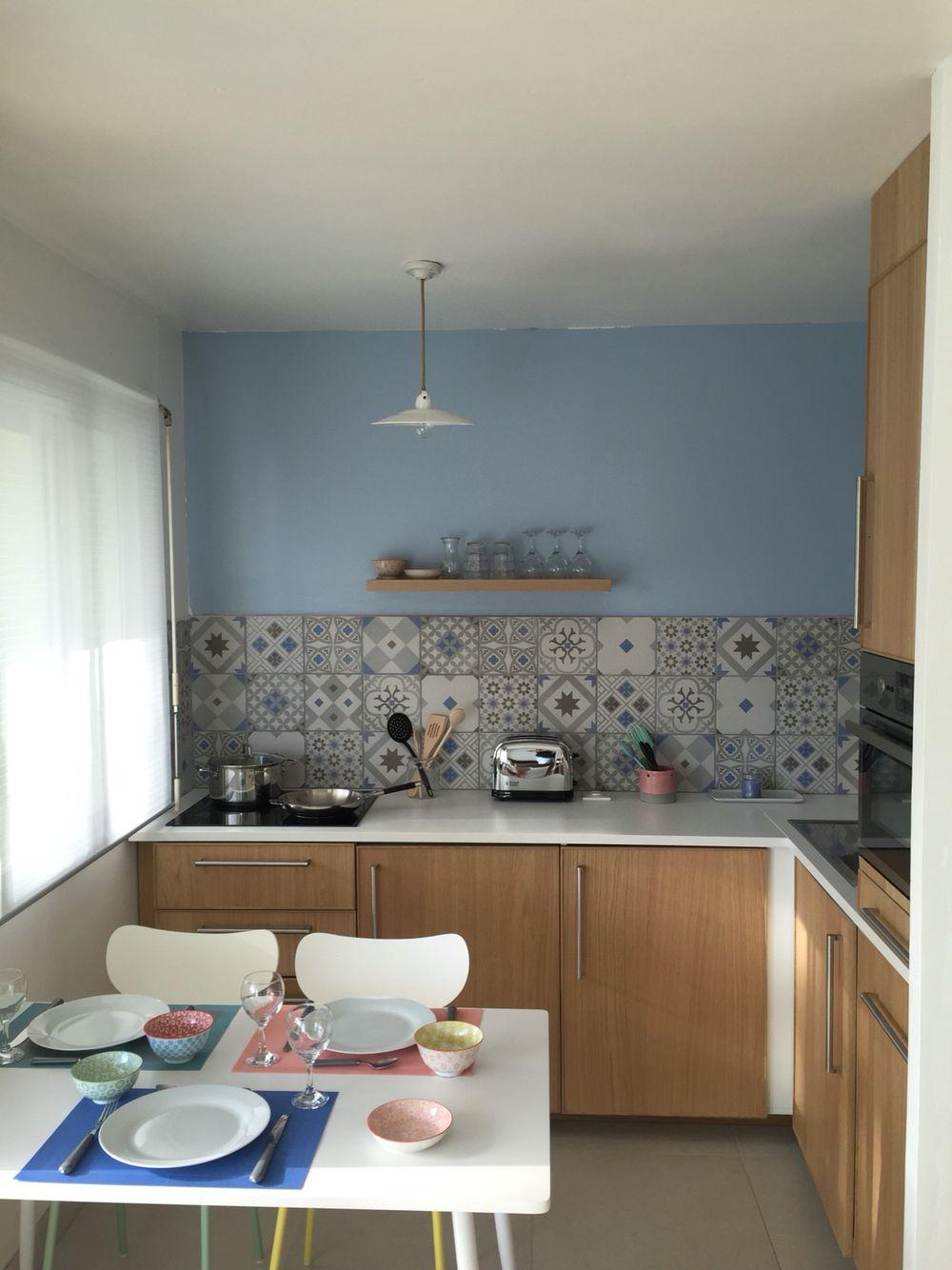 crdence de la cuisine leroy merlin gadsby bleu et gris cuisine ikea peinture bleu with bleu de. Black Bedroom Furniture Sets. Home Design Ideas