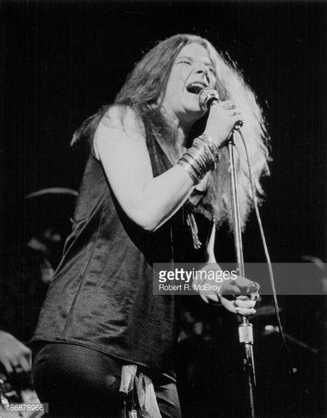 Janis Joplin live at an unknown venue in New York, 1965. (!!!)