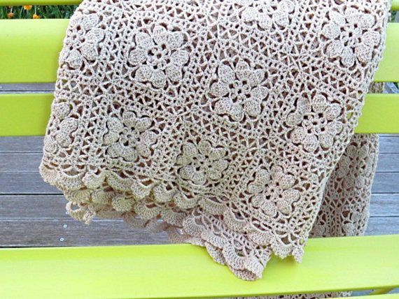 couvre lit dentelle crochet Grande couverture couvre lit vintage français 80's 70's crochet  couvre lit dentelle crochet