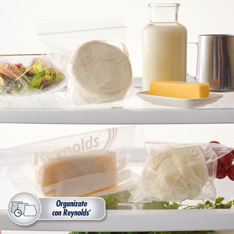 una buena forma de conservar quesos en el refrigerador con Bolsas Resellables
