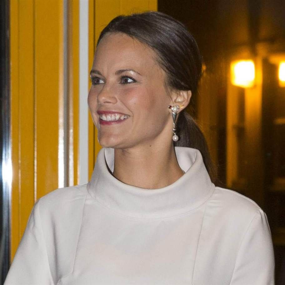 The young Swedish 2014 entrepreneur awards ceremony was attended by Prince Carl Philip and Miss Sofia Hellqvist.
