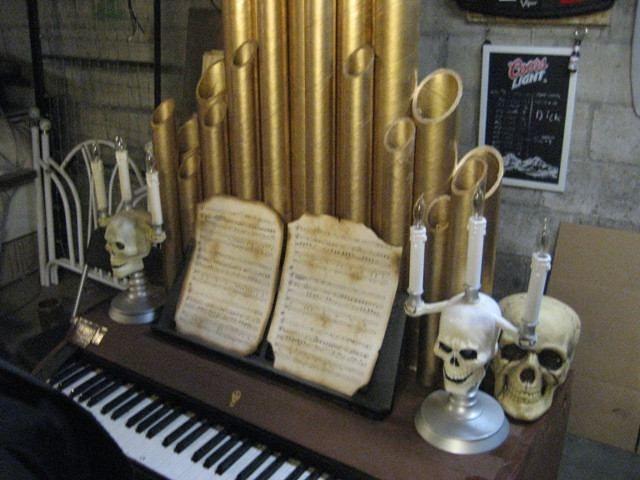 haunted organ | Pipe organ prop on Halloween Forum | Halloween ...