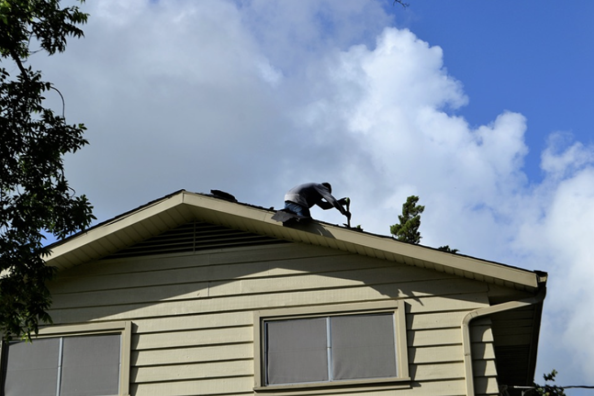 How Do I Get The Best Roofing Contractors In 2020 Roofing Contractors Roof Repair Roof Replacement Cost