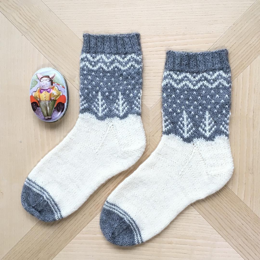Let it snow ⛄ #socks #sockknitting #knitting #instaknit ...