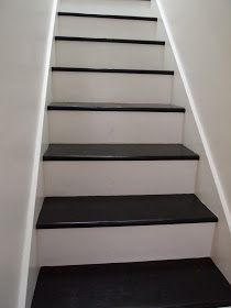 Divine Decor On A Dime: PAINTED STAIRCASE...Simple...but