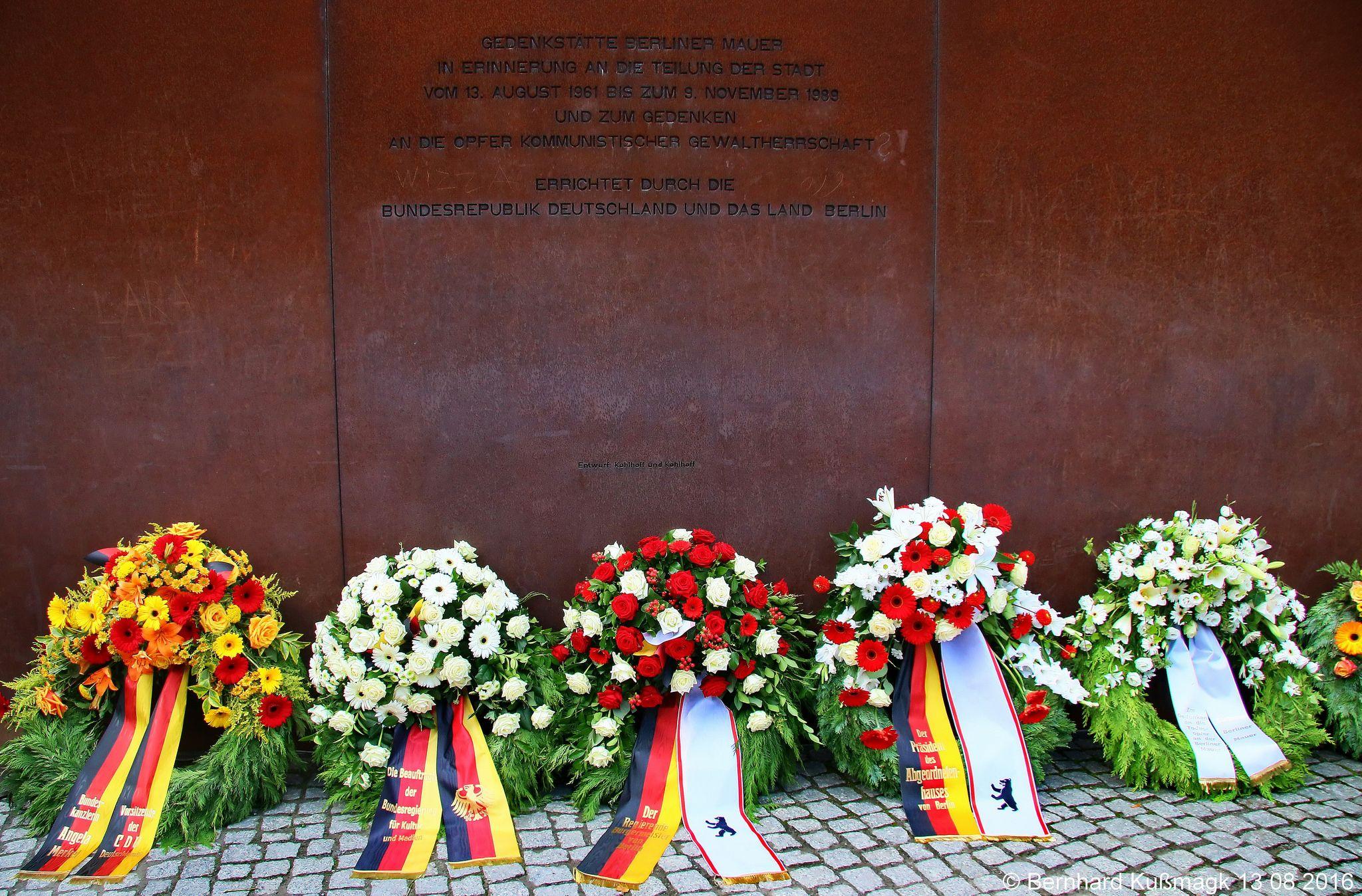 Europa Deutschland Berlin Mitte Ackerstrasse Ecke Bernauer Strasse 55 Jahrestag Des Mauerbaus Mauer Jahrestag Berlin
