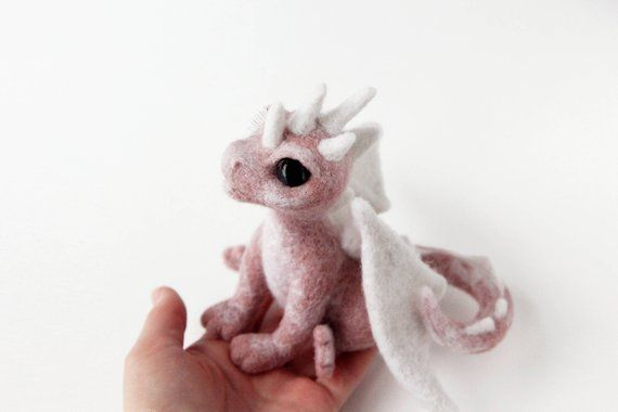 Needle felted dragon, game of thrones gift, felt dragon sculpture, fantasy creatures, birthday gift, cute home decor, fairy animal #feltdragon