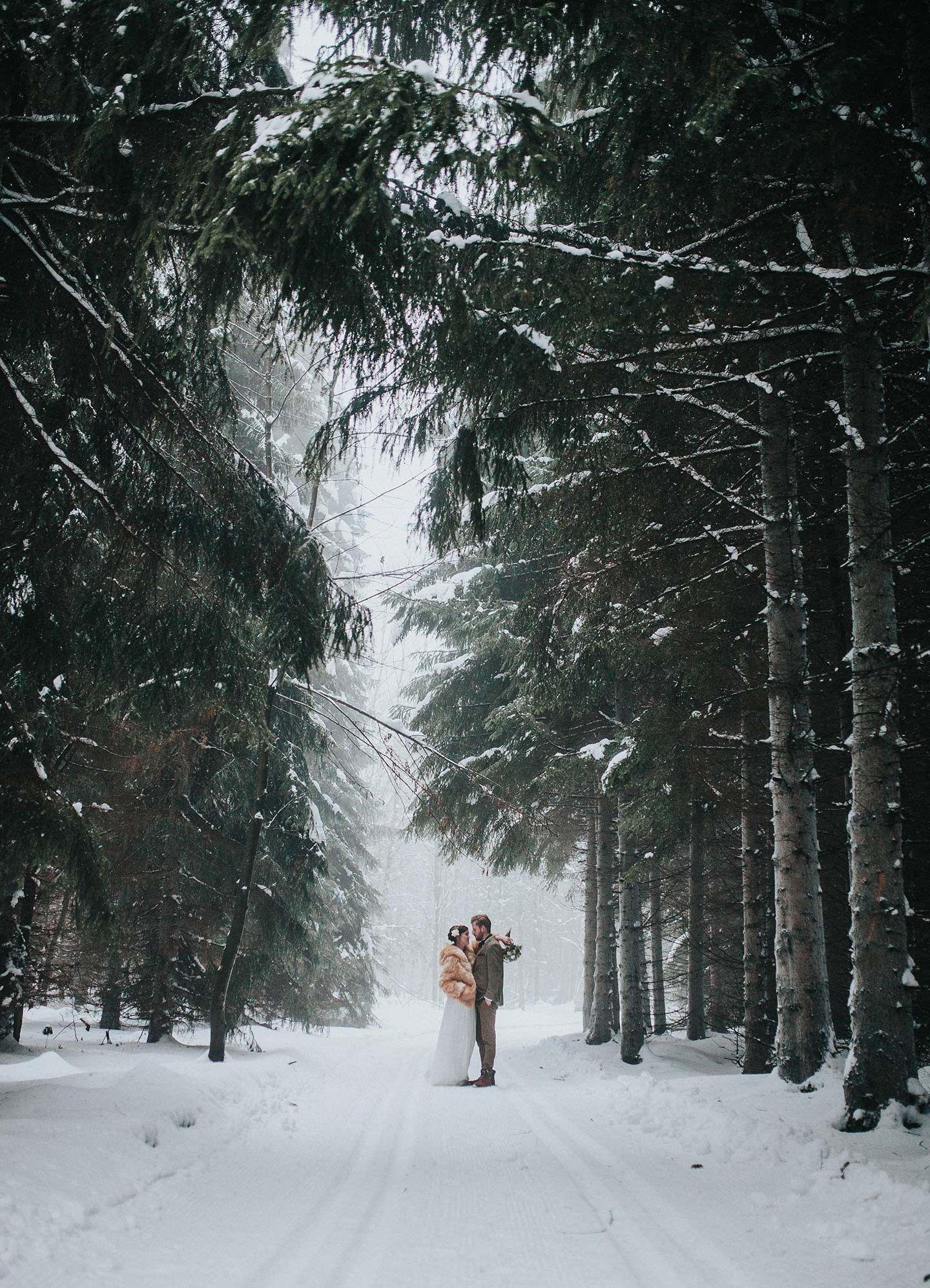 Wooden Wedding Winterhochzeitsidee Im Wald Wedding Things