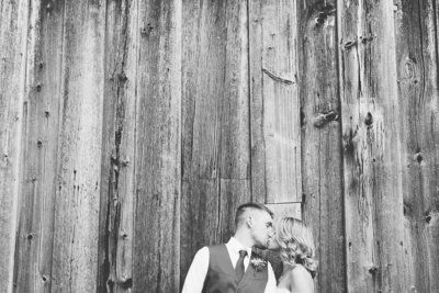 Couple's Wedding Photog Was A No-Show So This Woman Planned A Do-Over