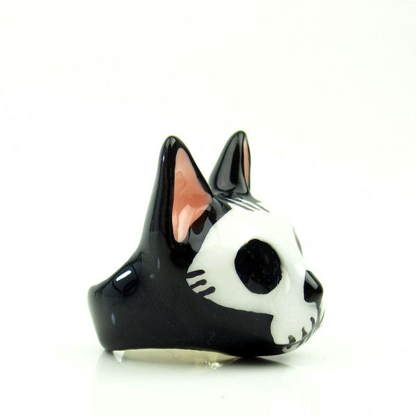 I don't normally do cat things but I will make an exception for this! Sugar Skull Cat Ring by Gallibardy