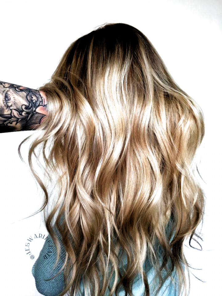 Wonderful Photos Rose Gold Hair Champagne Style In Case You Have Viewed The Locks Coloration Trends With Your Publi In 2020 Hair Color Balayage Balayage Rose Gold Hair