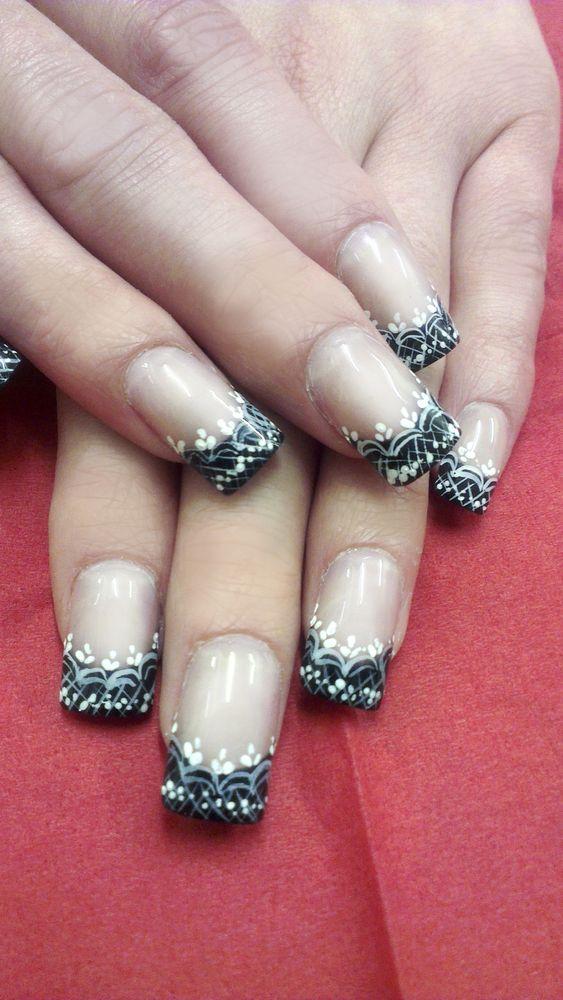 PHOTOS: Eye-Popping Wedding Nails For Every Bride | Bridal nail art ...