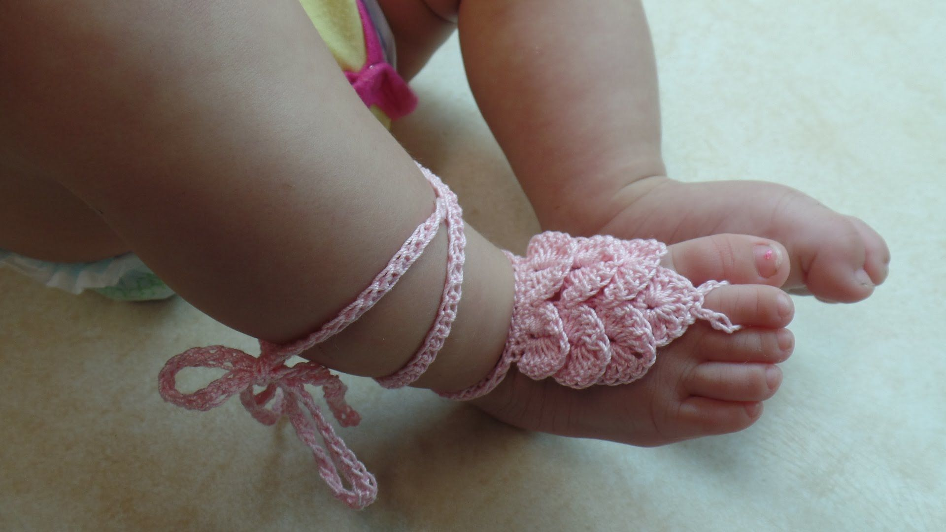 How To Crochet Crocodile Stitch Baby Barefoot Sandals With Thread Tutorial 317 Crochet Baby Sandals Crochet Baby Shoes Free Pattern Barefoot Sandals Baby
