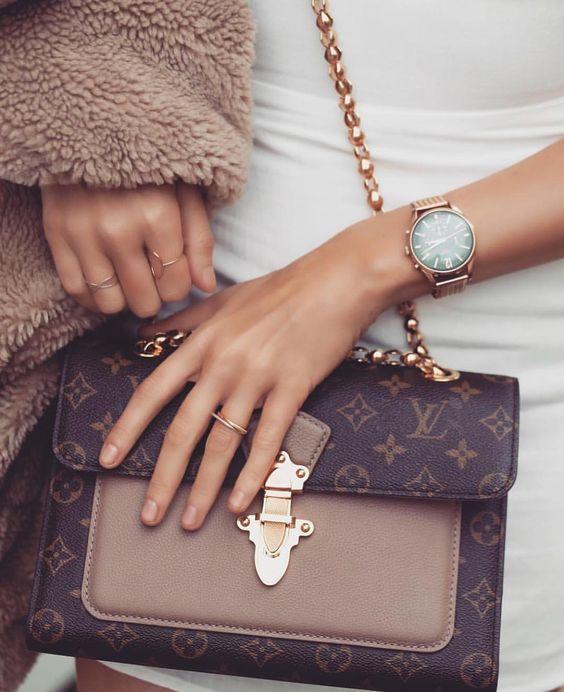 60+ Chain Bag Fashion Outfits Ideas #bag