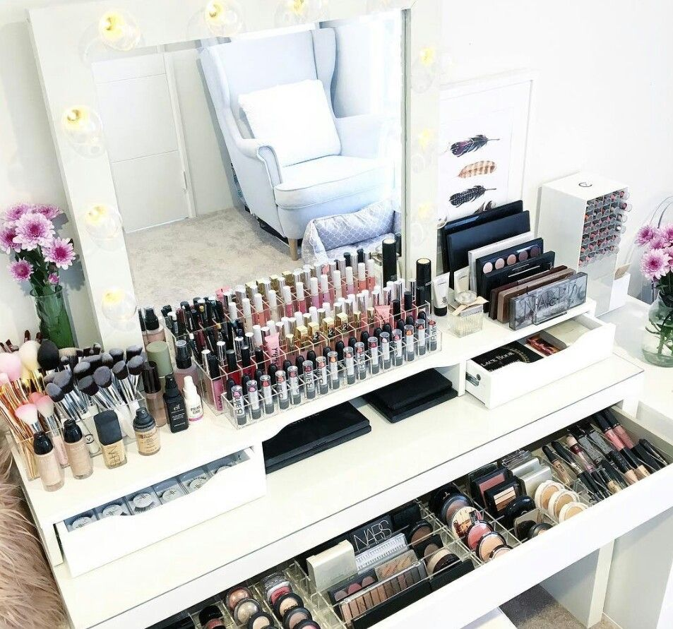 pin by karen mayorga on my station pinterest rangements maquillage coiffeuse malm and. Black Bedroom Furniture Sets. Home Design Ideas
