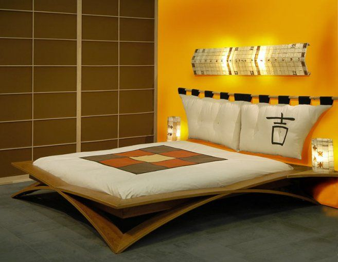 GreatJapanese modern design for your bedroom Shiny Interior: Yellow Japanese Bedroom With Stylish Bed Foto Image 01