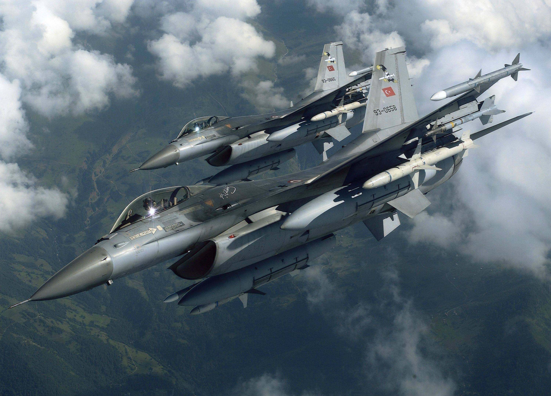 Two turkish f 16s 3000 x 2158 military pinterest two turkish f 16s 3000 x voltagebd Images