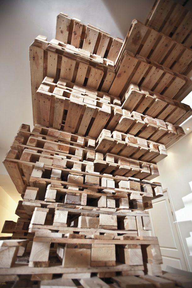 パレットを自在に活用したオフィス パレット 木製パレット パレット 床 Diy