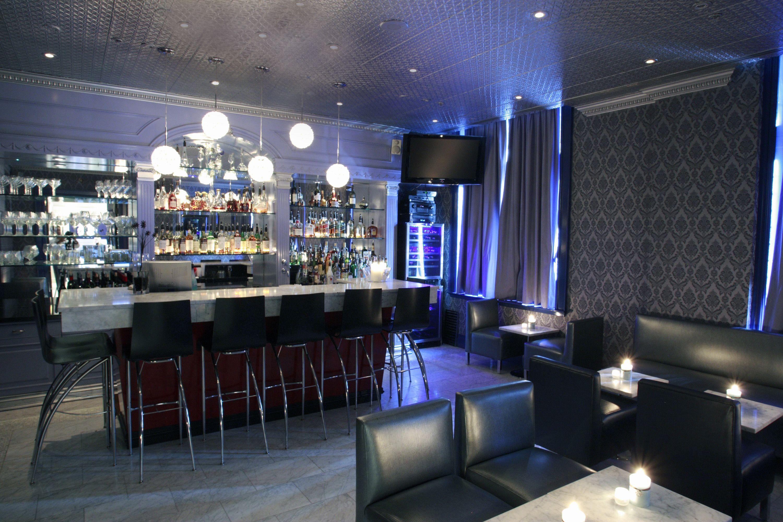 Club 22 - Lounge