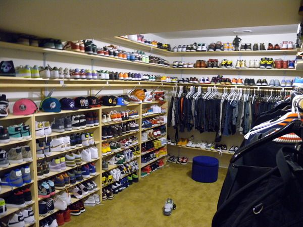 Chris Brown Wardrobe April 2017