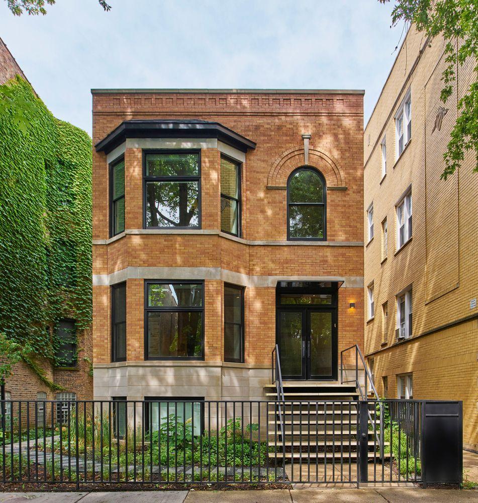 Old Brick Apartment Building: Gallery Of Sawyer Residence / Vladimir Radutny Architects